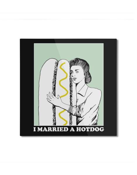 I married a hotdog Hero Shot